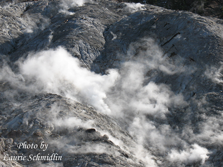 Roaring_mountain